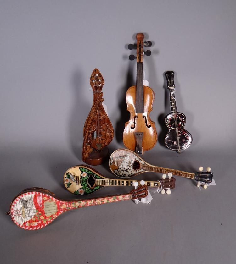 Collection: 5 music boxes. violin