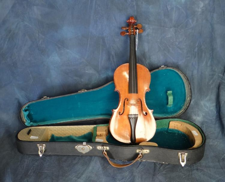 Music: Violin 1/4 with case 20C