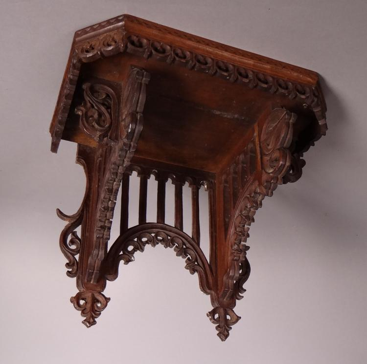 Subject: Wall console in walnut Neo-gothic period mid 19C