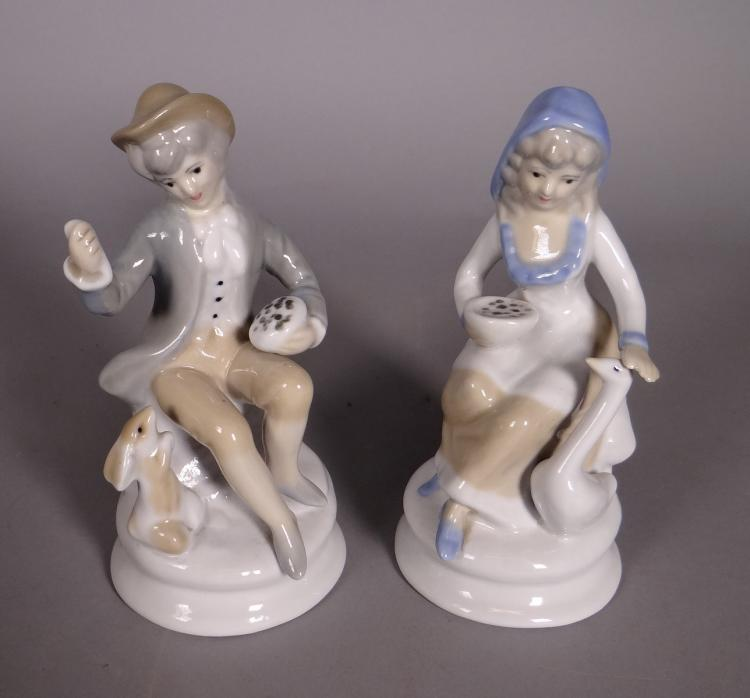 Ceramics: Porcelain Couple Mestré Spain 20C