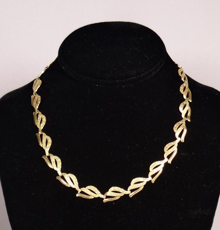 Jewelry: 18K Yellow Gold Necklace