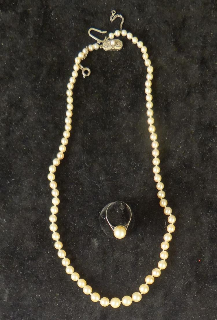 Jewelry: Pearl necklace with clasp in yellow gold / white 18k + ring set with a pearl