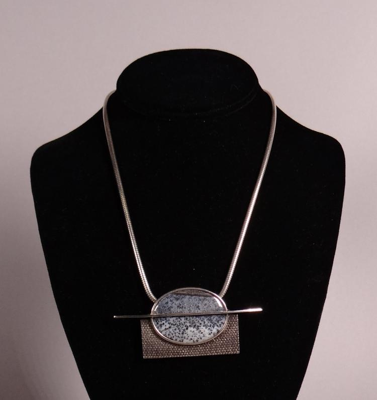 Bijou chain and pendant Janine renard creation in silver set with a blue stone