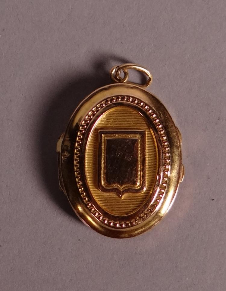Jewel: pendant photo's holder in 18k yellow gold