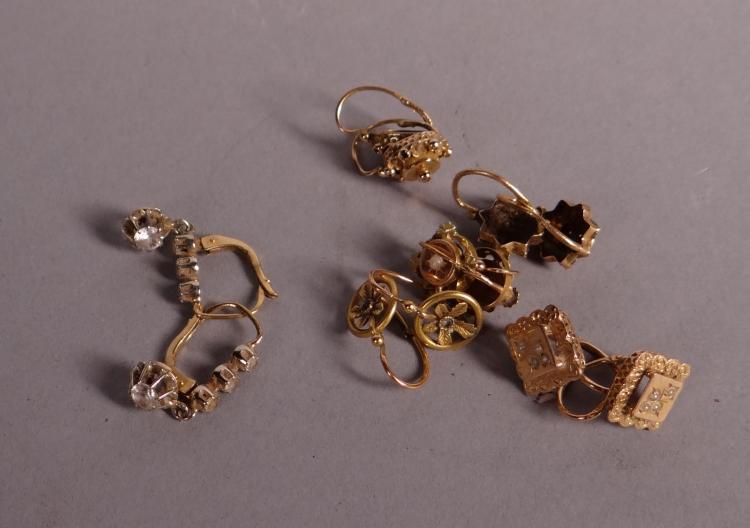 Bijou: 5 pairs of yellow gold 18k earrings and 1 pair of earrings in yellow gold 14k