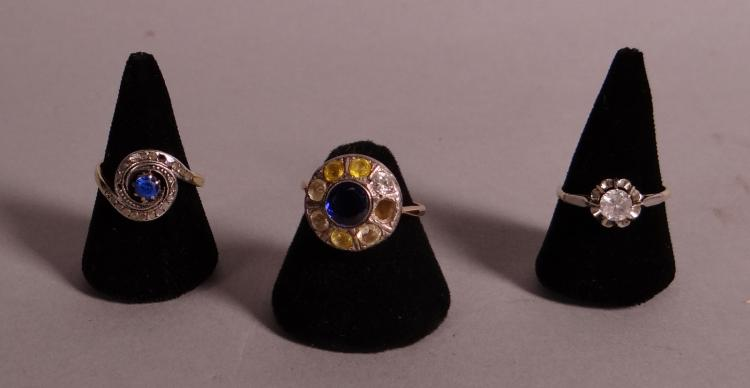Jewelry: 18k Yellow gold ring. 18k yellow gold ring and one ring in 9k yellow gold