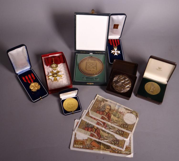 Collection: Lot of decorations. medals. banknotes ...