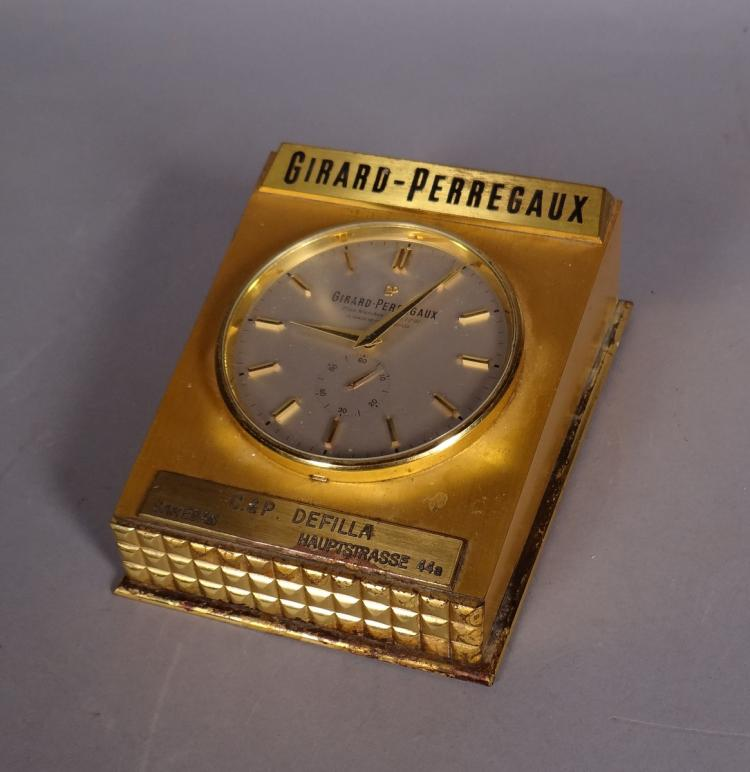 Watchmaking: Clock for table electric Girard-Perregaux