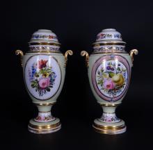 Ceramics: Pairs of Paris porcelain supports of petrol lamp 19th C