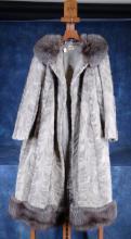 Fashion: lady fur coat Ch. Renoirte Charleroi