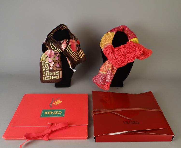 mode foulard carr en soie kenzo italie charpe en trico. Black Bedroom Furniture Sets. Home Design Ideas