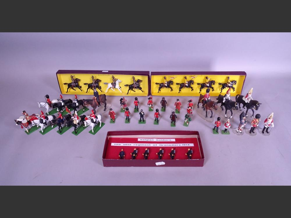 Toy: 30 W. BRITAIN toy soldiers including riders + 7 CORGI soldiers and riders + 6 Belgian grenadiers