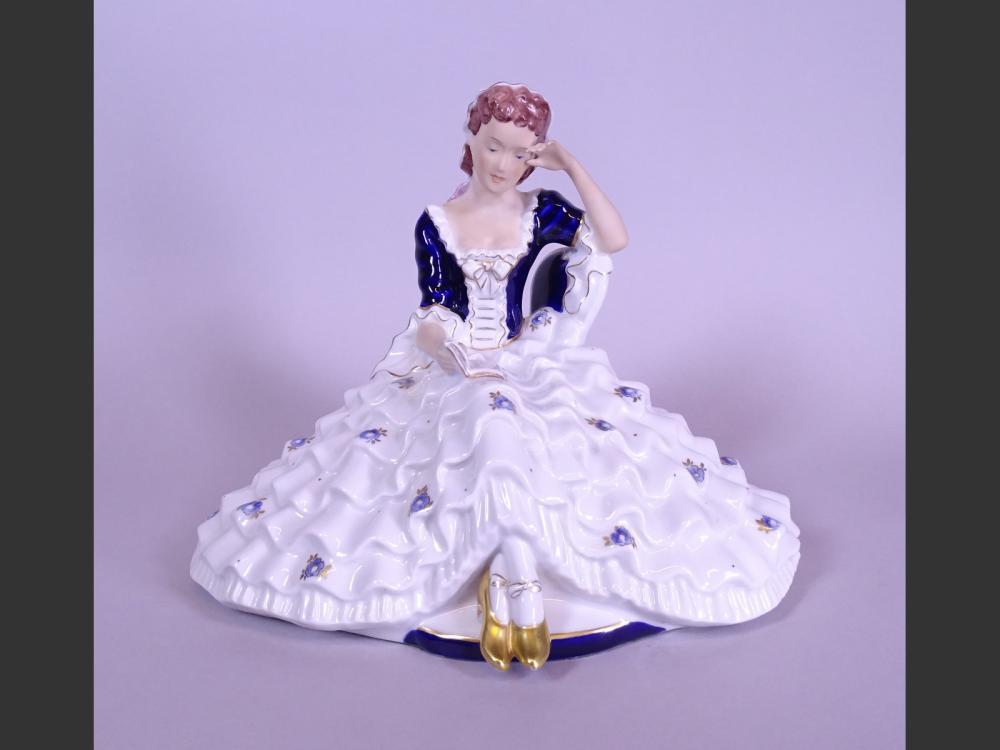 Ceramic: Porcelain Royal DUX (Austria) - Lady reading -