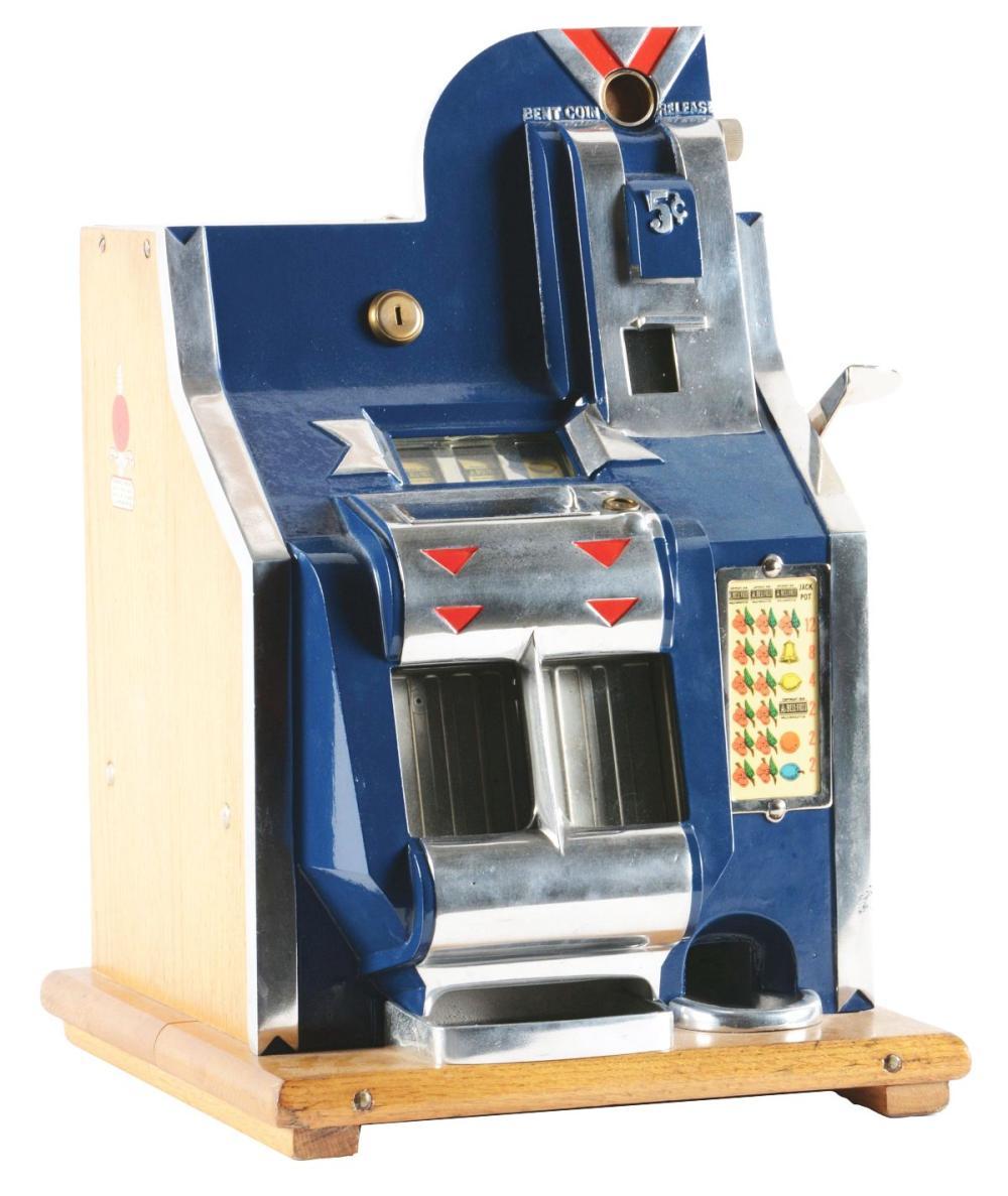 5¢ MILLS QT CHEVRON SLOT MACHINE.