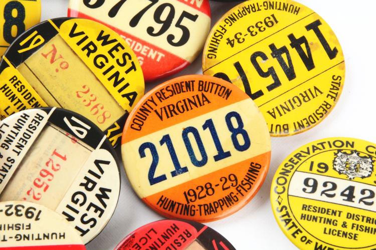 Lot of 20 vintage hunting fishing license buttons pinback for Where to buy fishing license colorado