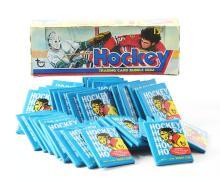 Lot 2018: Topps 1974 - 1975 Hockey Wax Box.