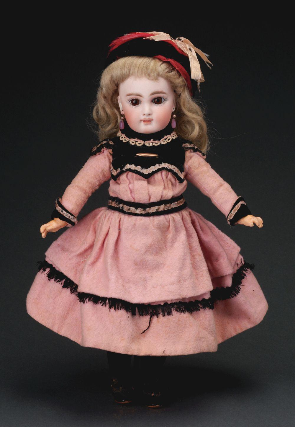 Lovely Closed Mouth Early German Doll.