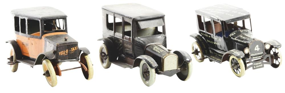 Lot 2255: Lot of 3: American Made Tin-Litho Wind-Up Vehicle Toys.