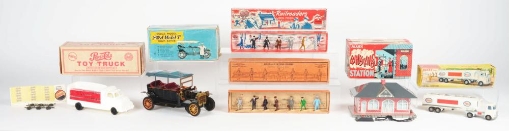 Lot 2298: Lot of 6: Miscellaneous Boxed Toy & Figure Items.
