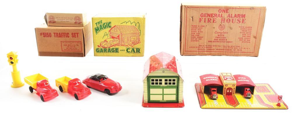 Lot 2398: Lot of 3: Marx Tin-Litho & Plastic Vehicle Sets.