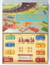Lot 2408: Lot of 4: Post-War Tootsietoy Vehicle Sets.