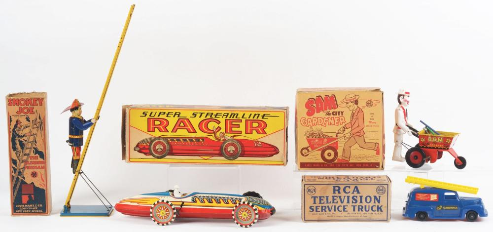 Lot 2412: Lot of 4: Marx Tin-Litho and Plastic Wind-Up Toys.