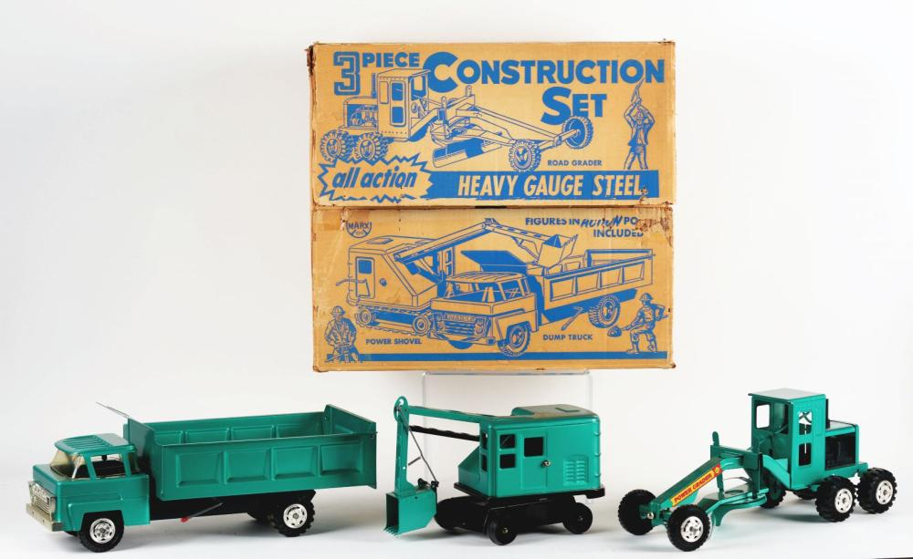 Lot 2424: Very Scarce Marx Pressed Steel Three-Piece Construction Set.