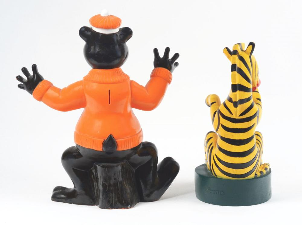 Lot 2646: Lot of 2: Advertising Figures - A&W, Cinzano.