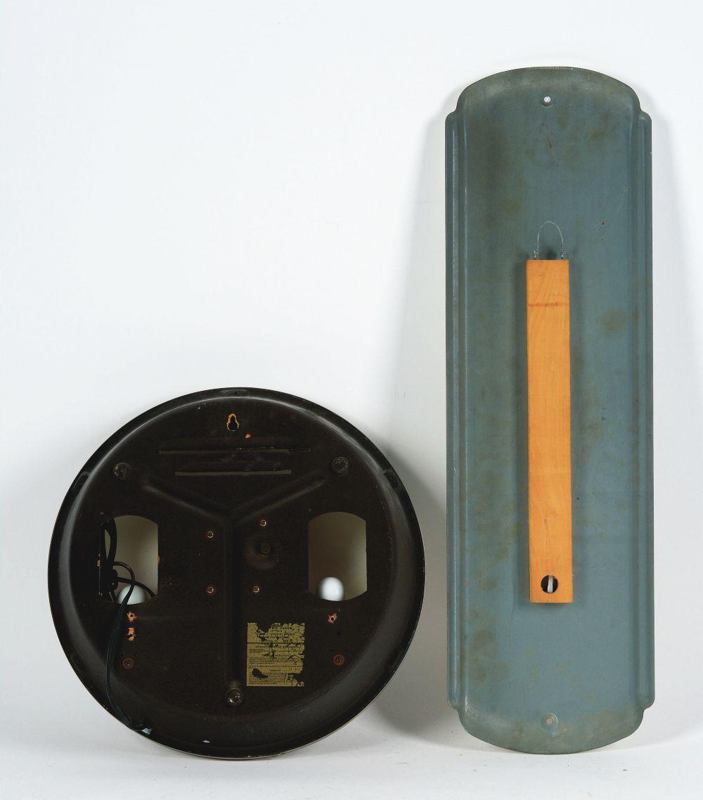 Lot 2679: Lot of 2: Advertising Pieces - Chiquita Thermometer, Calvert Clock.