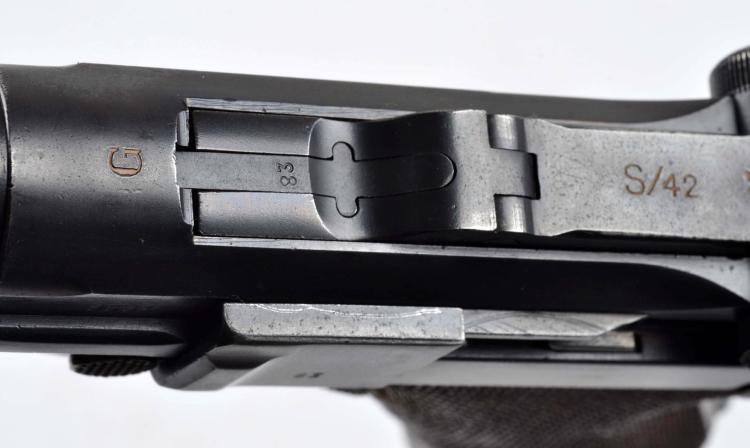 C) German Luger Semi-Auto Pistol (S/42)