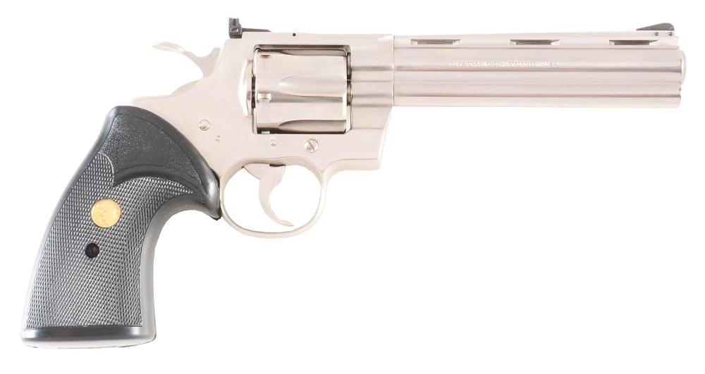 (M) COLT PYTHON DOUBLE ACTION REVOLVER WITH BOX (1980).
