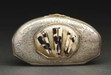 Silver & Shell Snuff Box.