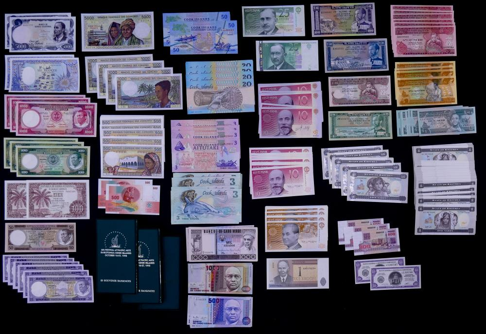 295pc Misc Uncirculated Uncirculated World Currency Lot