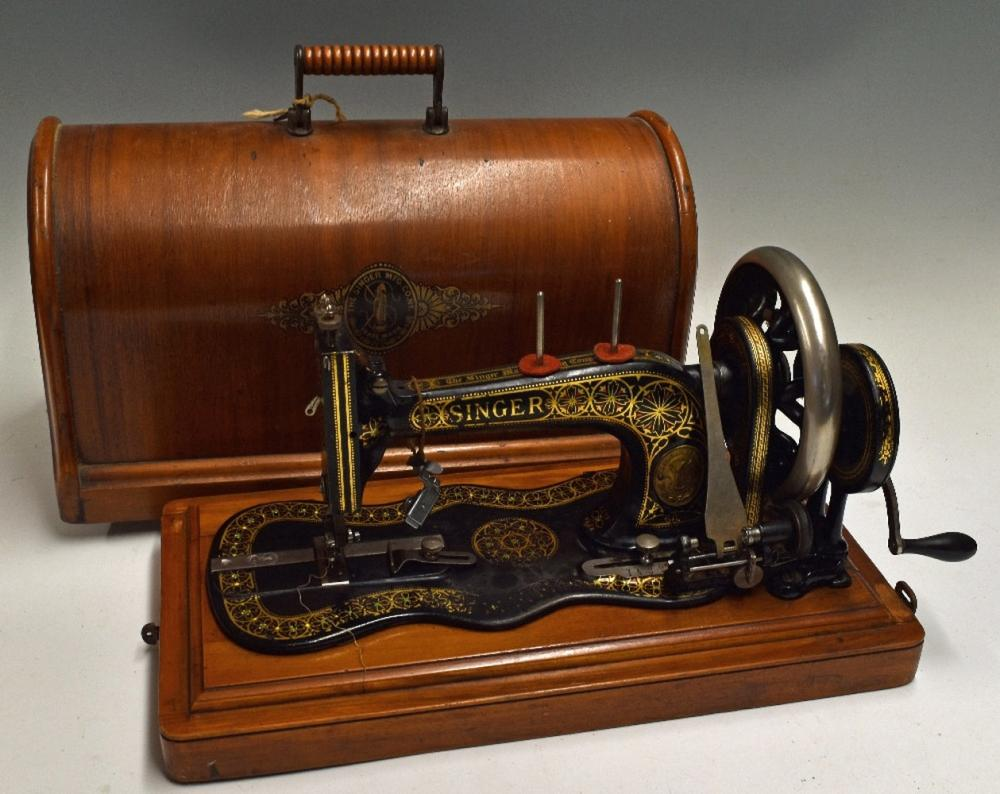 Vintage Singer Sewing Machine marked 161127 Gt Britain, make