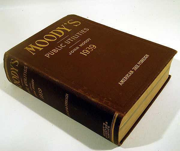 MOODY'S MANUAL OF INVESTMENTS AMERICAN & FOREIGN PUBLIC UTILITY SECURITIES 1939 First Edition Vintage Reference Finance Bonds Stocks Statistics Fold-Out Maps
