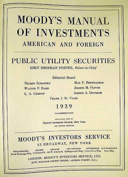 Lot 3122: MOODY'S MANUAL OF INVESTMENTS AMERICAN & FOREIGN PUBLIC UTILITY SECURITIES 1939 First Edition Vintage Reference Finance Bonds Stocks Statistics Fold-Out Maps