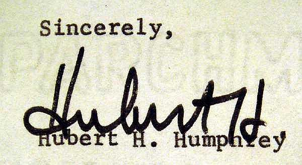 Lot 3125: SIGNED HUBERT HUMPHREY LETTER & AUTOGRAPHED PHOTO 1965 Electoral Campaign George Carroll Sergeant-At-Arms New York Democratic State Committee