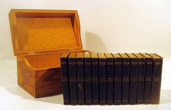 13V Decorative ANTIQUE LEATHER SHAKESPEARE SET IN WOODEN CASE Soft Boards Gilt Lettering & Page Edges Tragedies Comedies Histories Sonnets