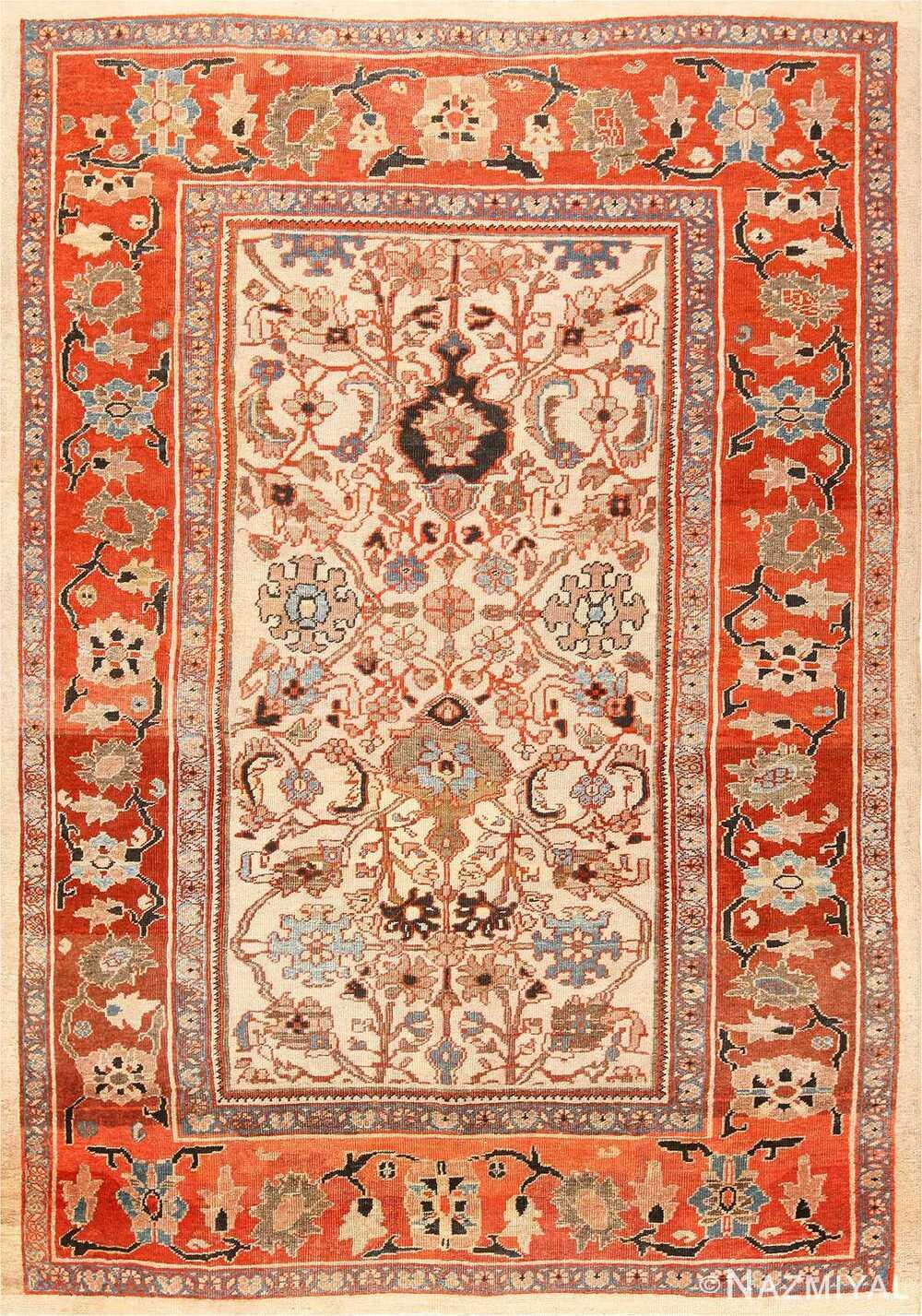ANTIQUE PERSIAN SULTANABAD CARPET. 10 ft 8 in x 7 ft 10 in (3.25 m x 2.39 m)