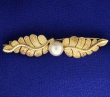 Pearl & Leaf Pin