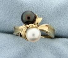 Black & White Pearl Ring