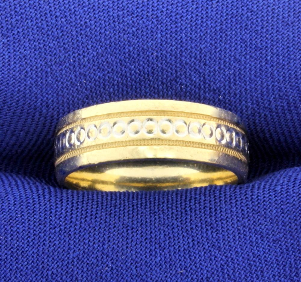 Unique Connected Circle and Beaded edge Gold Wedding Band Ring