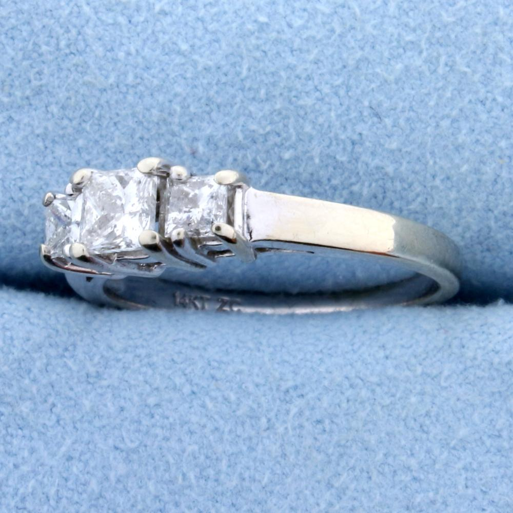 Lot 4197: 1ct TW Three Stone Princess Cut Diamond Engagement or Anniversary Ring in 14k White Gold