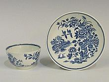 A Worcester small Fence pattern tea bowl and