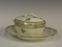 A Caughley shaped oval tureen, cover and stand