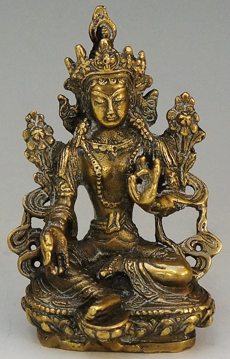 A bronze model of a Hindu deity, 8cm high