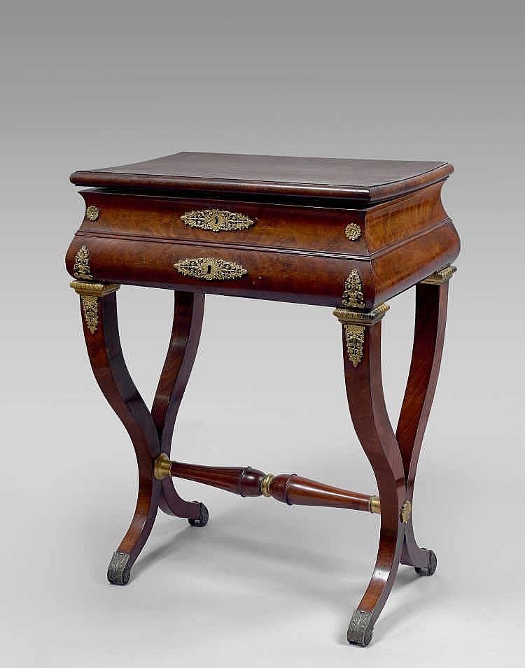 bureau gradin en bois de violette epoque louis xv. Black Bedroom Furniture Sets. Home Design Ideas