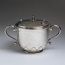 GEORGE V SILVER CAUDLE CUP AND COVER, VANDER & HEDGES (SUBSEQUENTLY TESSIERS, LTD.), LONDON, 1910-11.