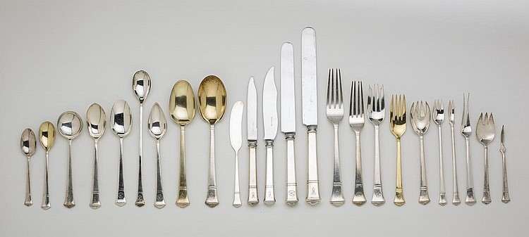 TIFFANY & CO. SILVER 'WINDHAM' PATTERN FLATWARE SERVICE, THE PATTERN INTRODUCED IN 1923.