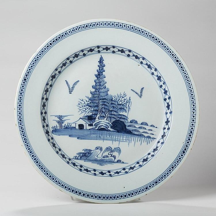LONDON DELFT BLUE AND WHITE DISH, CIRCA 1760.